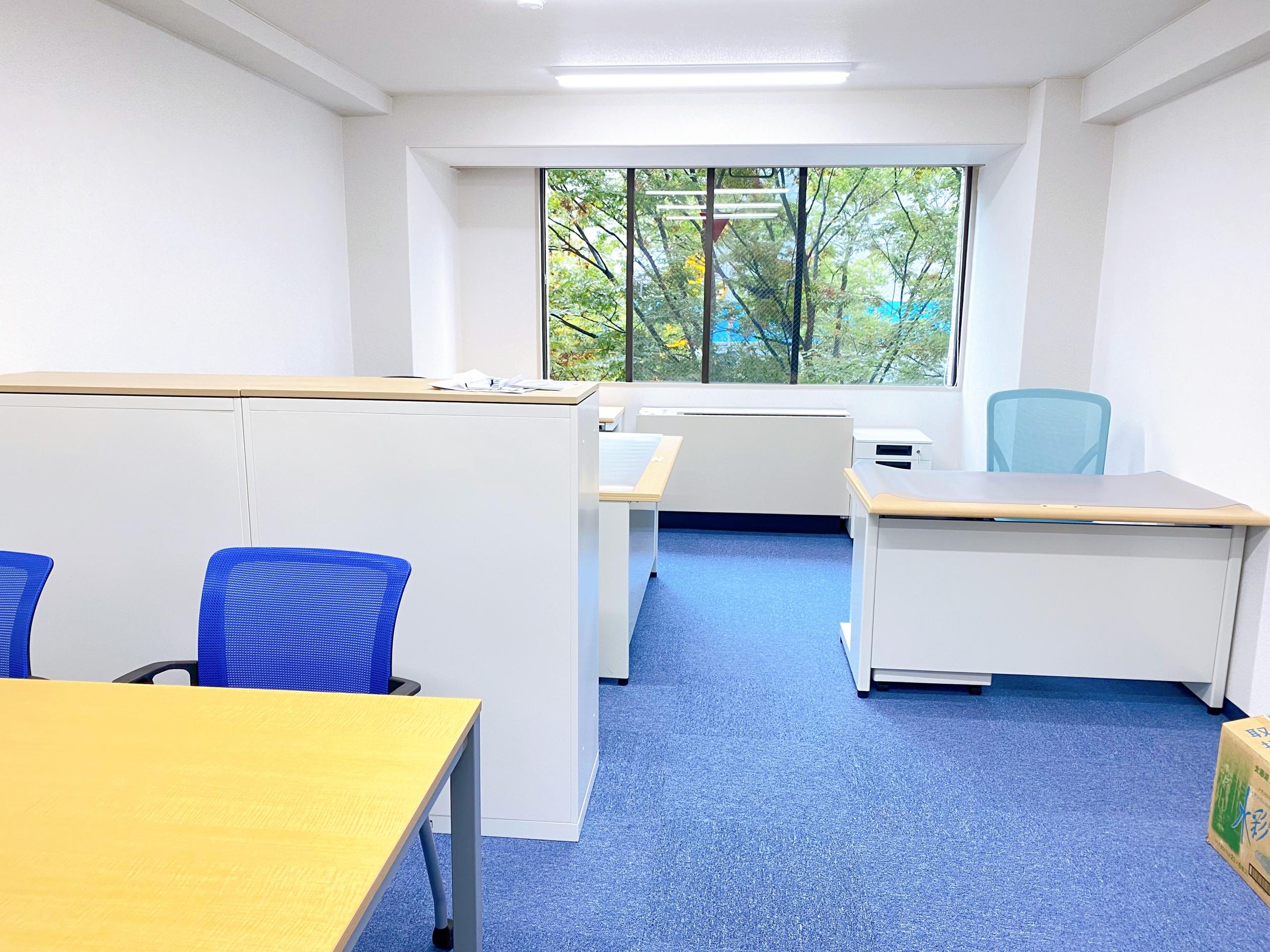 小規模事務所向けオフィスレイアウトの事例